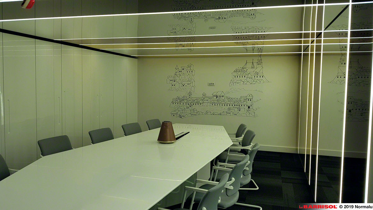Barrisol Mirror for offices